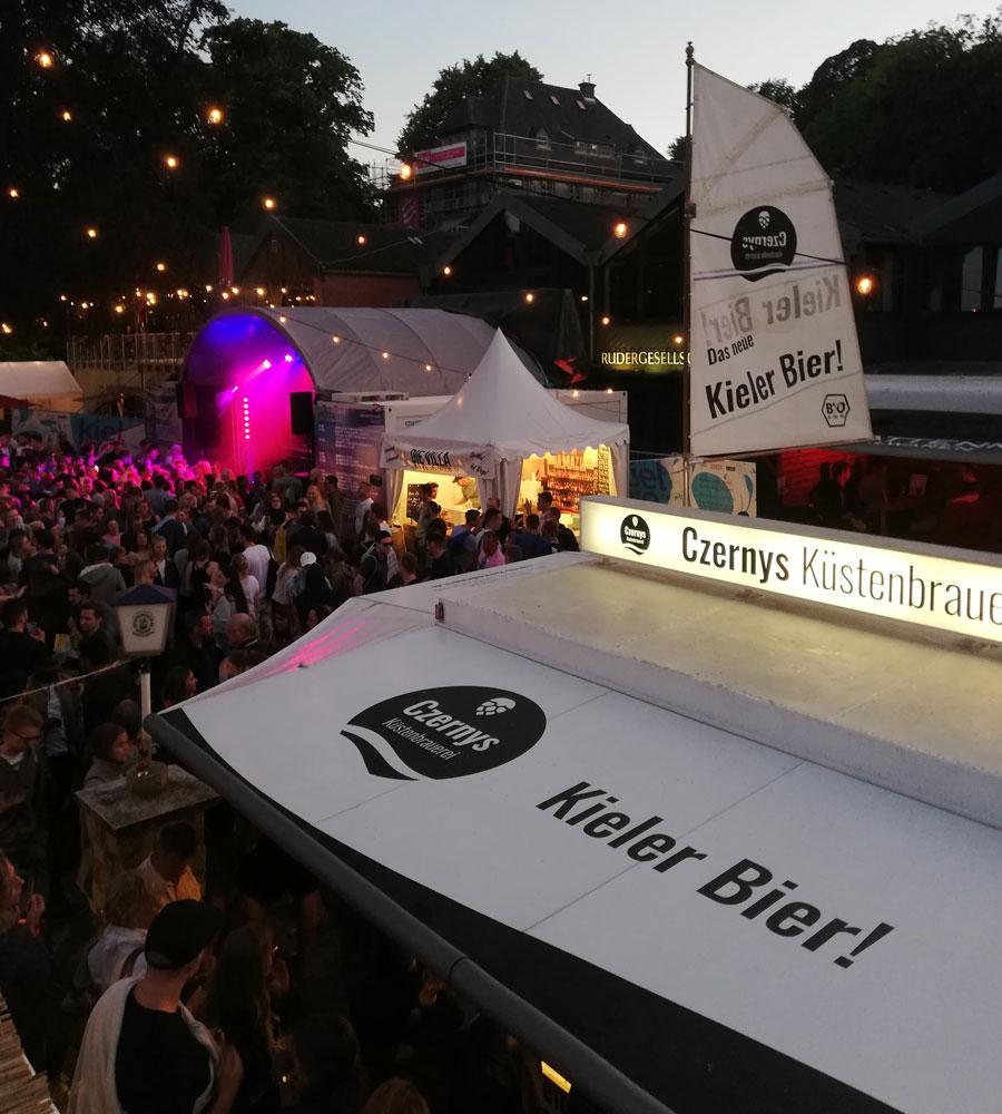 Czernys Bierwagen auf der Kieler Woche